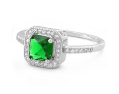 Inel din argint cu piatra verde