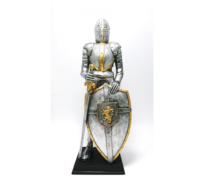 Cavaler in armura